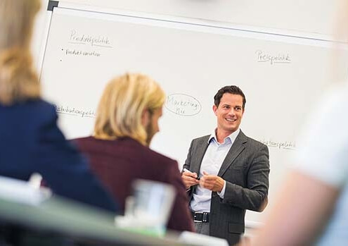 """Dualer Bachelor-Studiengang """"Business Administration"""" in Kooperation mit Mail Boxes Etc."""